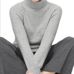 Super soft yarn JCrew gray turtle neck sweater